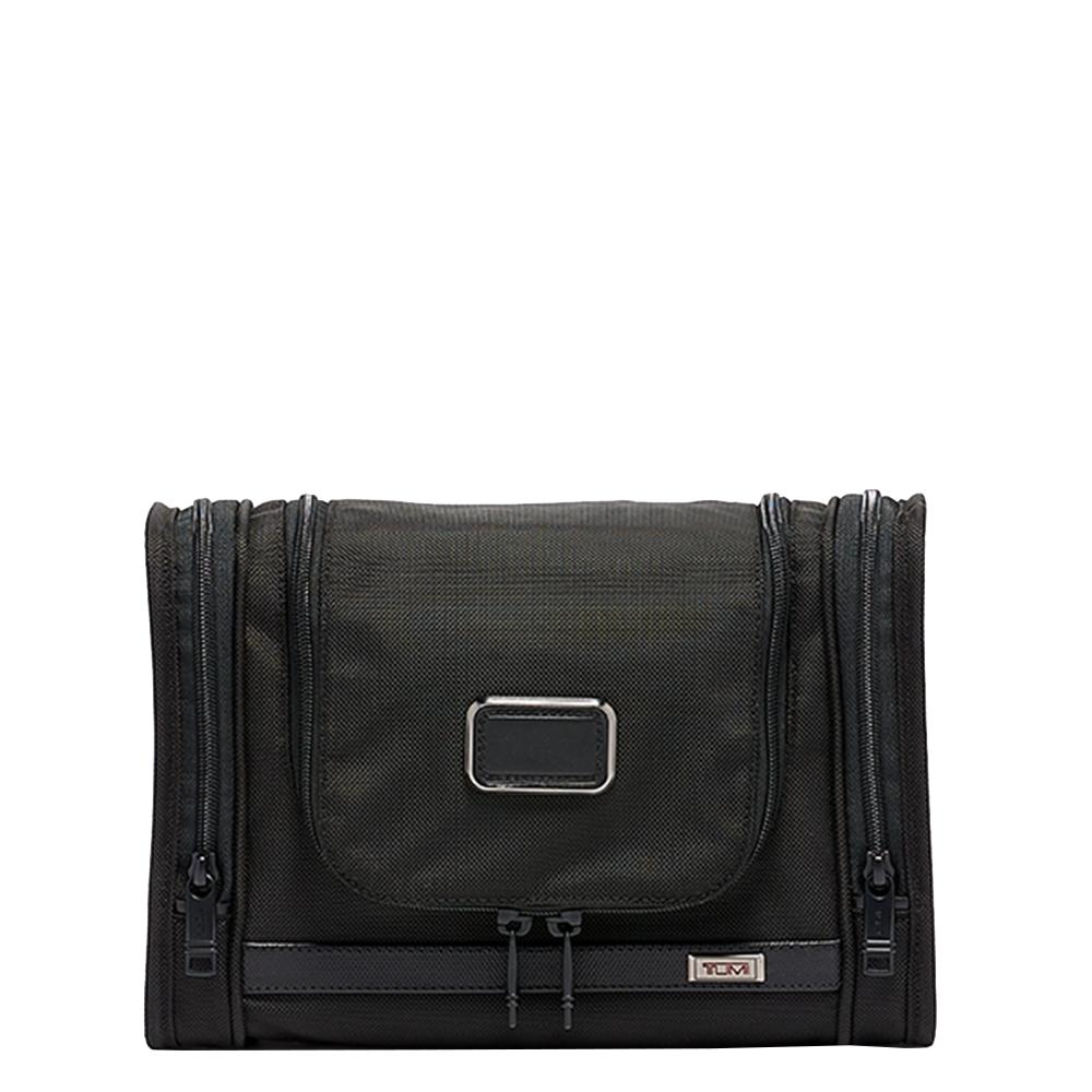 Tumi Alpha Hanging Travel Kit black Toilettas <br/>€ 139.50 <br/> <a href='https://tc.tradetracker.net/?c=15082&m=779702&a=107398&u=https%3A%2F%2Fwww.travelbags.nl%2Ftumi-alpha-hanging-travel-kit-black.html' target='_blank'>Bestellen</a>