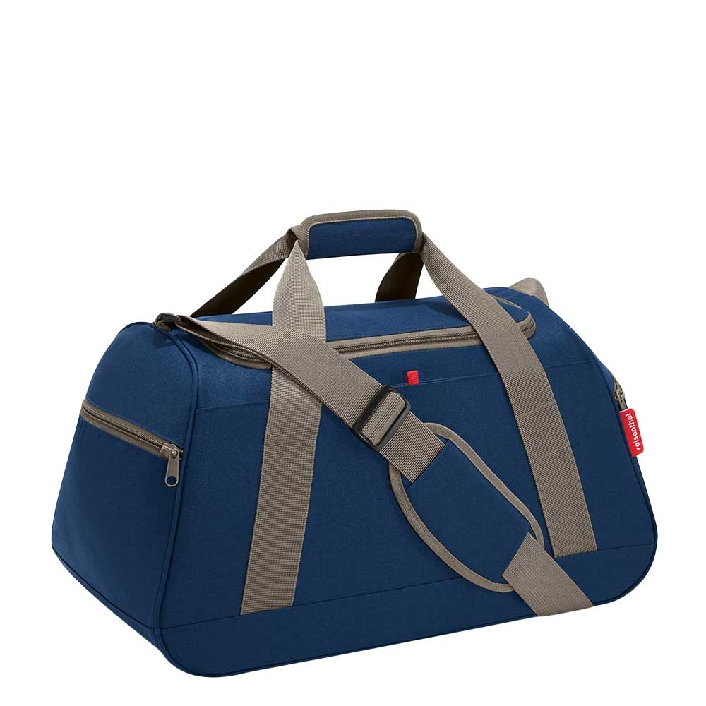 Reisenthel Travelling Activitybag dark blue Weekendtas <br/>€ 39.95 <br/> <a href='https://tc.tradetracker.net/?c=15082&m=779702&a=107398&u=http%3A%2F%2Fwww.travelbags.nl%3A80%2Freisenthel-travelling-activitybag-dark-blue.html' target='_blank'>Bestellen</a>