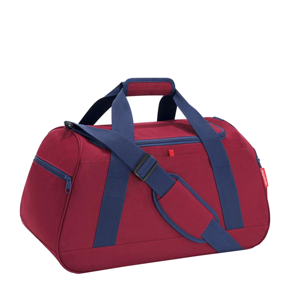 Reisenthel Travelling Activitybag dark ruby Weekendtas <br/>€ 39.95 <br/> <a href='https://tc.tradetracker.net/?c=15082&m=779702&a=107398&u=http%3A%2F%2Fwww.travelbags.nl%3A80%2Freisenthel-travelling-activitybag-dark-ruby.html' target='_blank'>Bestellen</a>
